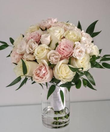 Luxury Pastel Rose Bouquet V21-827 Flower Arrangement Bouquet
