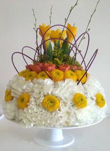 m05 Flower Cake in Orlando, FL | Artistic East Orlando Florist