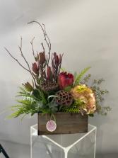 MA 001 Floral arrangement