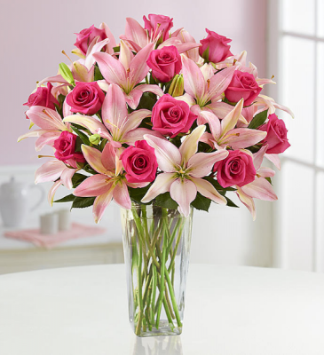 Magnifocent Pink Roses & Lily
