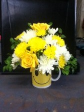 Make A Smile Floral Arrangement in Colonia, New Jersey | LAKE FLOWERS
