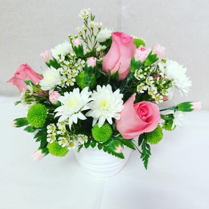 Make Em Smile 2 floral arrangement