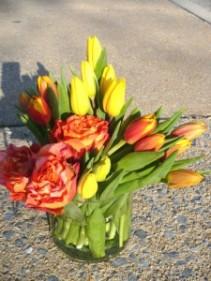 Mango Twist   Fresh Cut Tulips With Spirit Roses