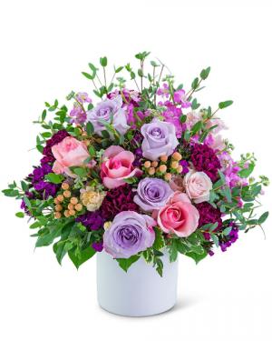 Manhattan Spell Flower Arrangement in Nevada, IA | Flower Bed