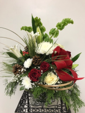 MARQUIS BY WATERFORD SLEIGH  WITH CHRISTMAS FLOWER CHRISTMAS SLEIGH