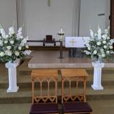 Matching pedestals and flowers