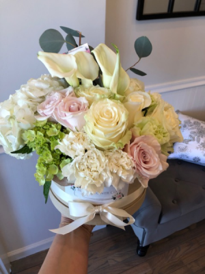California Dreaming Flower Box Arrangement Assorted Flowers in Sparta, NJ | Bluet Flower Co.