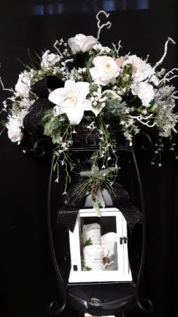 Memorial tribute Lantern arrangement with stand