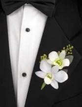 Mens Boutonnierres Fresh/Silk Flowers