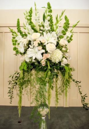 Meringue Wedding Alter Arrangement