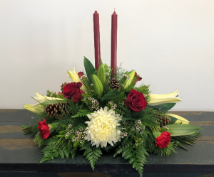 Merry and Bright Centerpiece in Bluffton, SC | BERKELEY FLOWERS & GIFTS