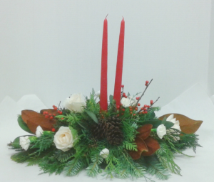 Merry Berry Centrepiece  in Tottenham, ON | TOTTENHAM FLOWERS & GIFTS