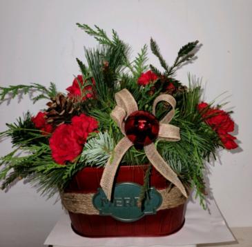 Merry Christmas tin Fresh flower arrangement
