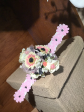 Mini pink corsage