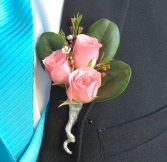 Mini Rose (Light Pink) Boutonniere