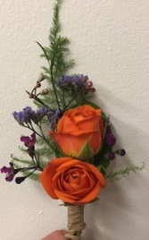 Mini Roses Boutonniere