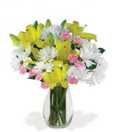 mix of Easter vase arrangement