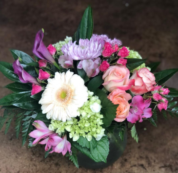 Mixed Bouquet- NO two are exactly alike Mix of colors and flowers
