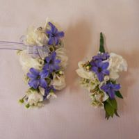 MIXED FLOWER CORSAGE AND BOUTONNIERE PROM CORSAGE