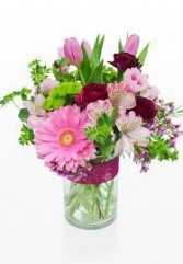 B 9-Mixed flowers in a vase  (Flowers and colors may vary)