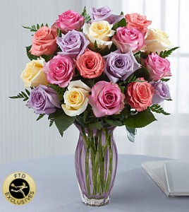 Mixed Roses in mouve vase   in Kitchener, ON | KITCHENER ONTARIO FLORIST
