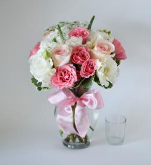 M&M Bouquet Special   in Mount Pleasant, SC | M & M CREATIONS FLORIST