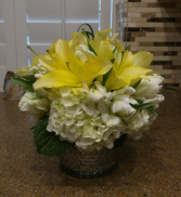 Modern Delight Flower Arrangement
