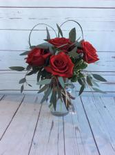 Modern Half Dozen Roses