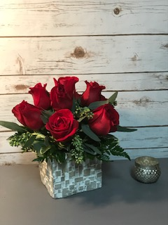 Modern Rose Arrangment Valentines Day Arrangement