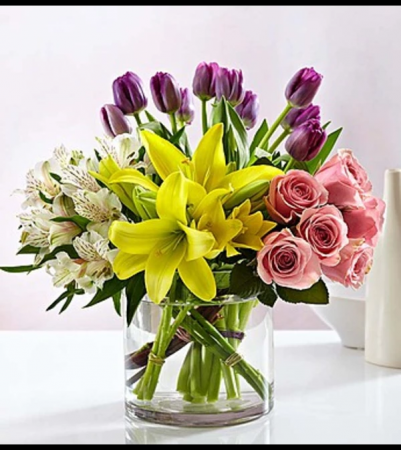 Modern Spring Mix Arrangement