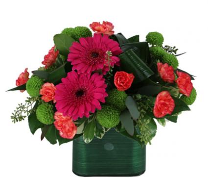Modern Summertime bouquet  Vase