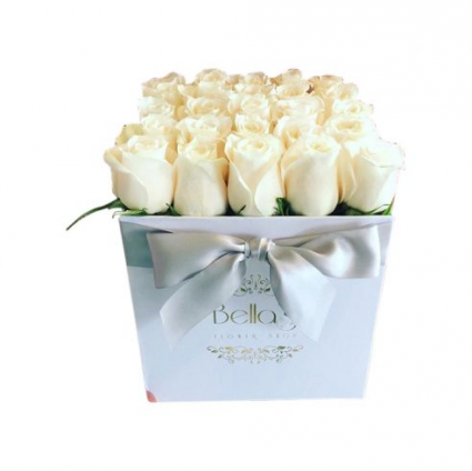 Modern White Rose Box  25 Roses Fresh Roses
