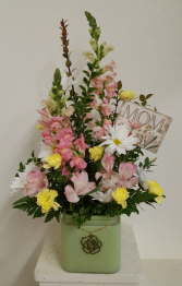 Mom sweet Mom  Flower Arrangement