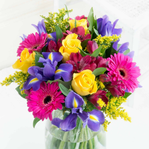 Mom's choice bright mix in vase in Lebanon, NH | LEBANON GARDEN OF EDEN FLORAL SHOP