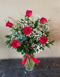 Mom's Classic 1/2 Dozen Roses CALL (805) 804-7673 FOR MORE INFORMATION.