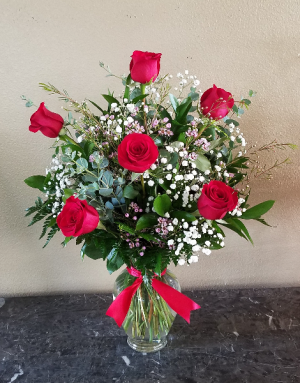 Mom's Classic 1/2 Dozen Roses Exclusively at Mom & Pops in Ventura, CA | Mom And Pop Flower Shop
