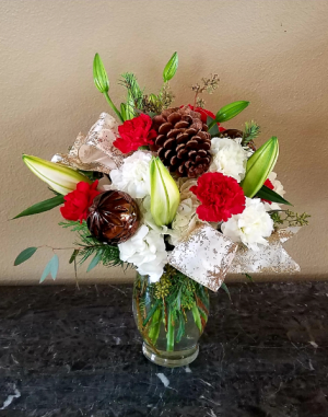 Mom's Classic Christmas Only at Mom & Pops Flower Shop