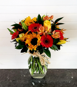 MOM'S FALL ARRANGEMENT #2 EXCLUSIVELY AT MOM & POPS in Oxnard, CA   Mom and Pop Flower Shop
