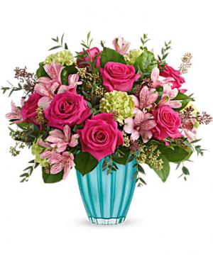 MOM'S FAVORITE Vase Arrangement in Longview, TX   ANN'S PETALS