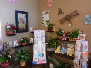 Mom's Garden Baskets Designer's Choice in Ventura, CA | Mom And Pop Flower Shop
