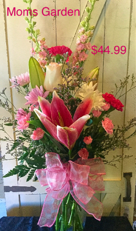 Moms Garden Bouquet Mixed pink and white floral in clear vase in Pelican Rapids, MN | Brown Eyed Susans Floral