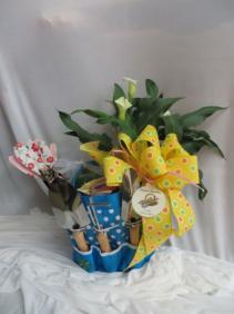 Mom's Garden Garden Tote with Calla Lily Plant