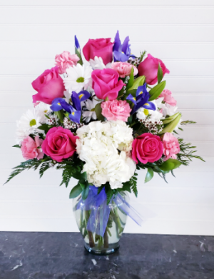 Mom's Happy Anniversary EXCLUSIVELY AT MOM & POPS in Ventura, CA | Mom And Pop Flower Shop