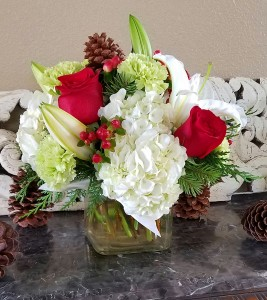 Mom's Holiday  in Ventura, CA | Mom And Pop Flower Shop
