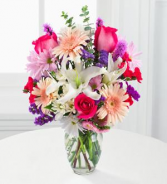 Mom's Lily Bouquet Special! Exclusively at Mom & Pops