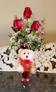Mom's Smiling Teddy Bear Exclusively at Mom & Pops in Oxnard, CA | Mom and Pop Flower Shop