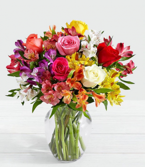 MOM'S SUNNY SPLASH EXCLUSIVELY AT MOM & POPS in Ventura, CA | Mom And Pop Flower Shop