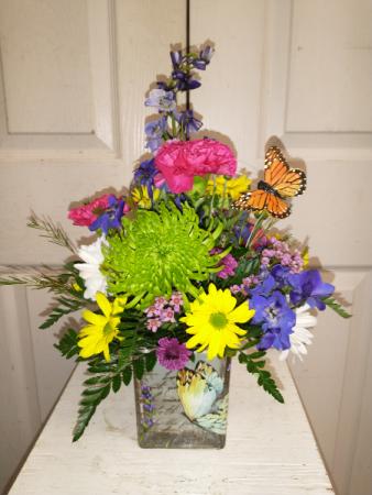 Monarch Matriarch fresh cube vase