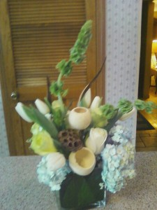 Mordern Spring white & greens  High end in Pittsfield, MA | NOBLE'S FARM STAND AND FLOWER SHOP