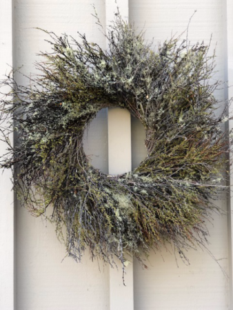Mossy Branch Wreath (Preorder) 27 Inch in Length